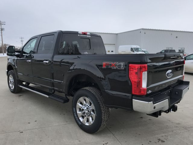 2017 Ford SuperDuty F-350 Lariat
