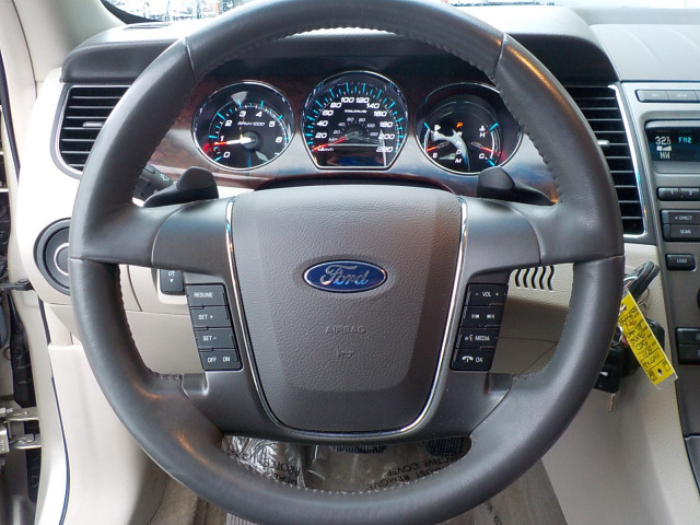 2011 Ford Taurus SEL AWD
